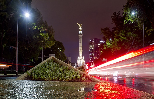 Características de la arquitectura moderna en México_abraham cababie daniel