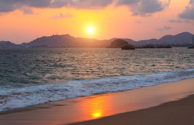 3 razones para hospedarte en el Hotel ONE Acapulco Costera_abraham cababie daniel